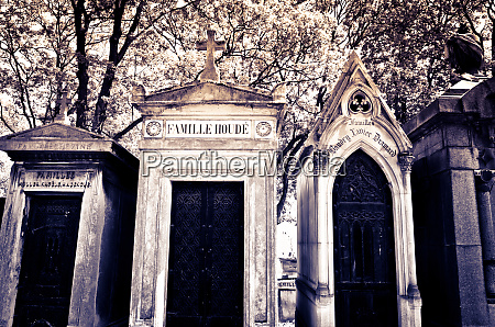 mausolea at pere lachaise cemetery paris