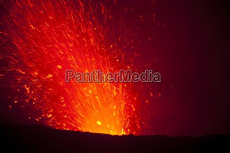 volcano eruptions at yasur volcano island