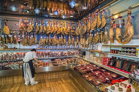 spain salamanca store selling iberian ham