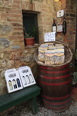 italy monteriggioni pasta and wine for