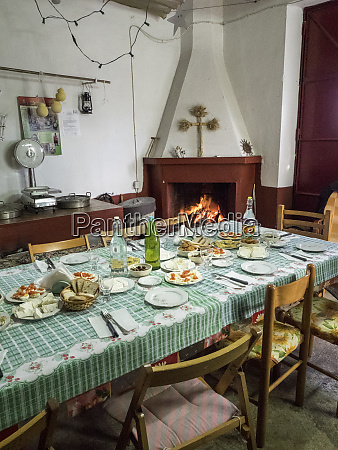 italy alberobello lunch is being served