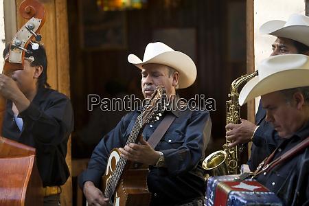 mexican musicians guanajuato mexico