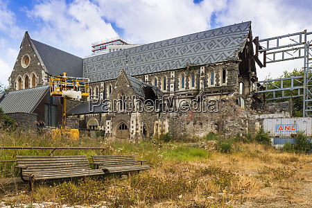 christchurch cathedral damaged in the 2011