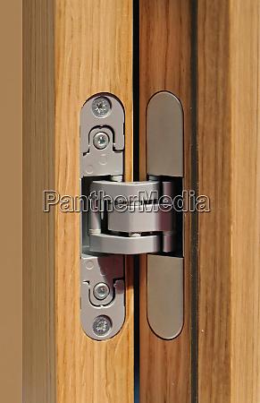 open door hinge