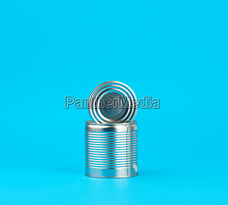 open hard iron can for food