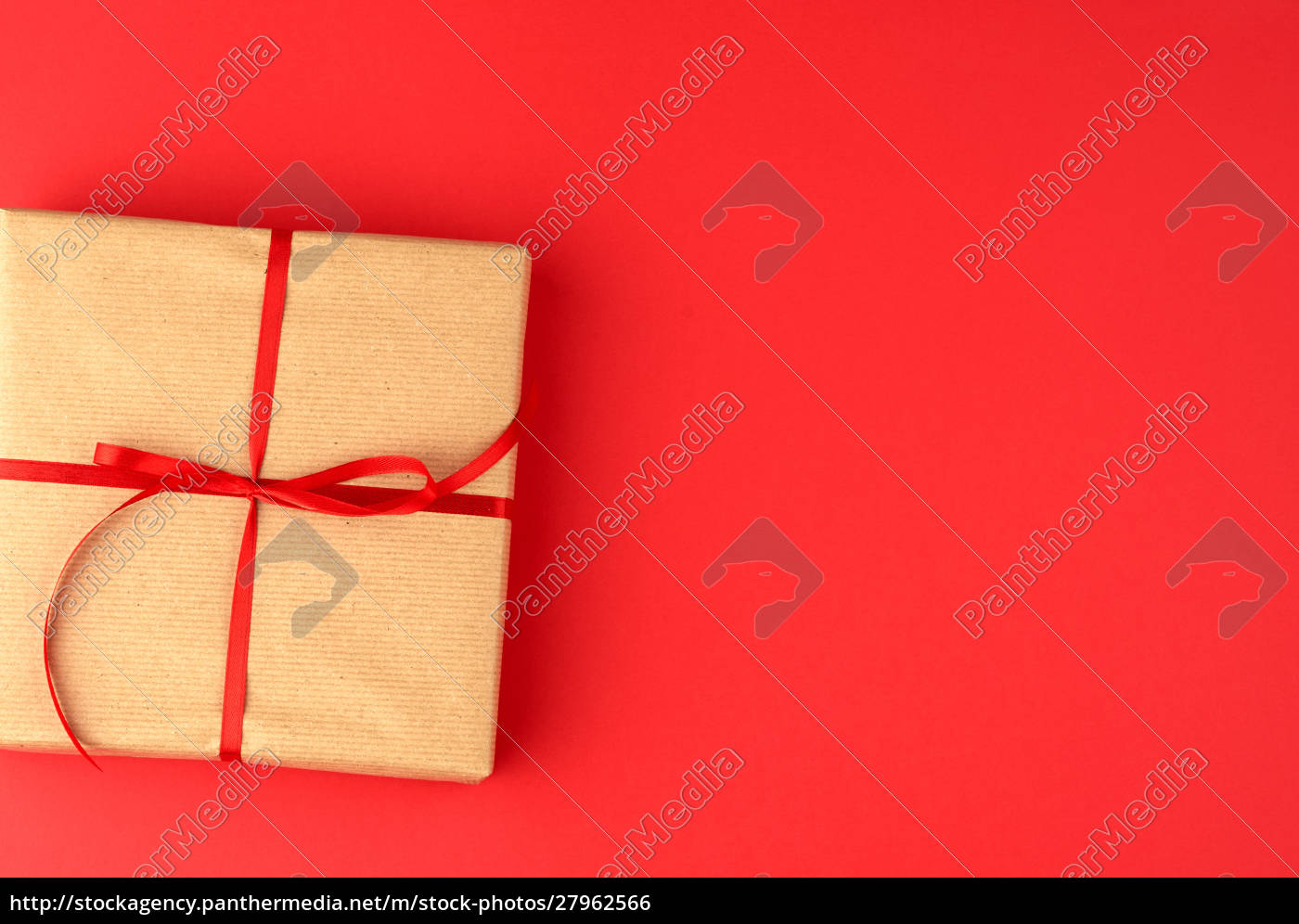 box, wrapped, in, brown, kraft, paper - 27962566