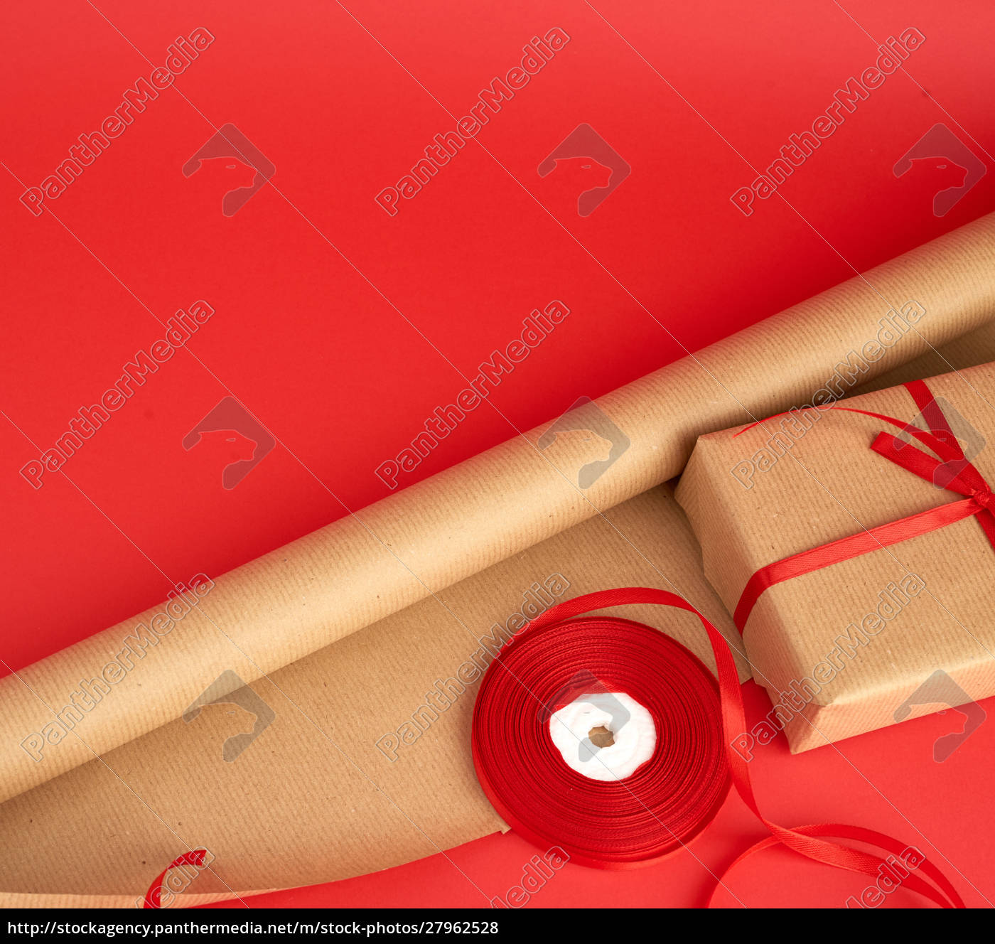 brown, paper, for, packaging, , a, reel - 27962528