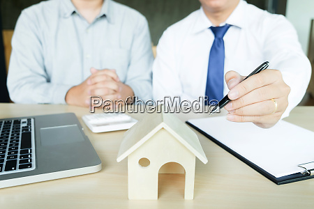 real estate agent to present the