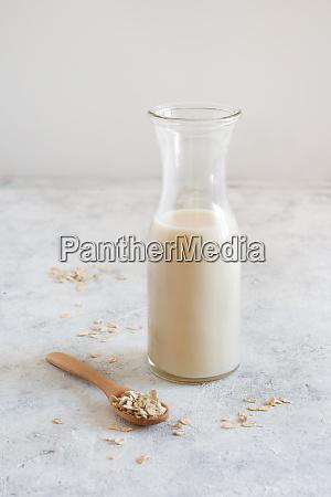 vegan oat milk non dairy alternative