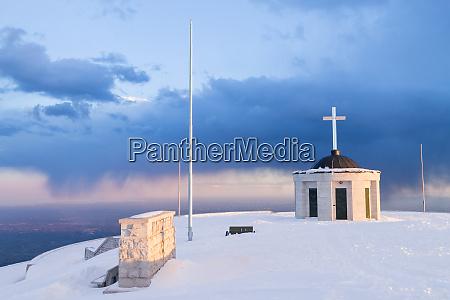first world war memorial in winter