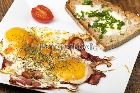 two eggs sunny side up on
