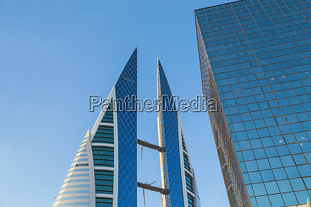 skyscraper building in bahrain