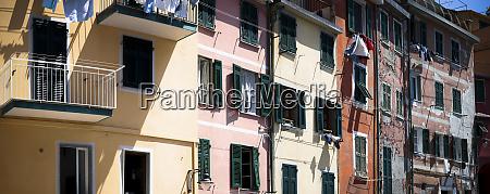 houses in manarola liguria cinque terre