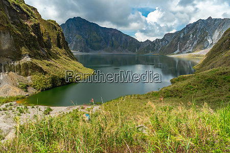 mount pinatubo in in the philippines