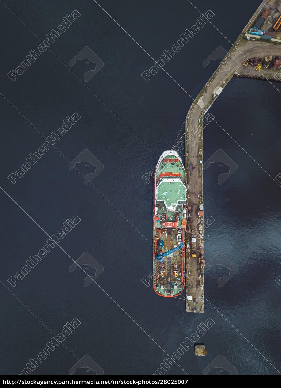 aerial, view, of, ship, in, neva - 28025007