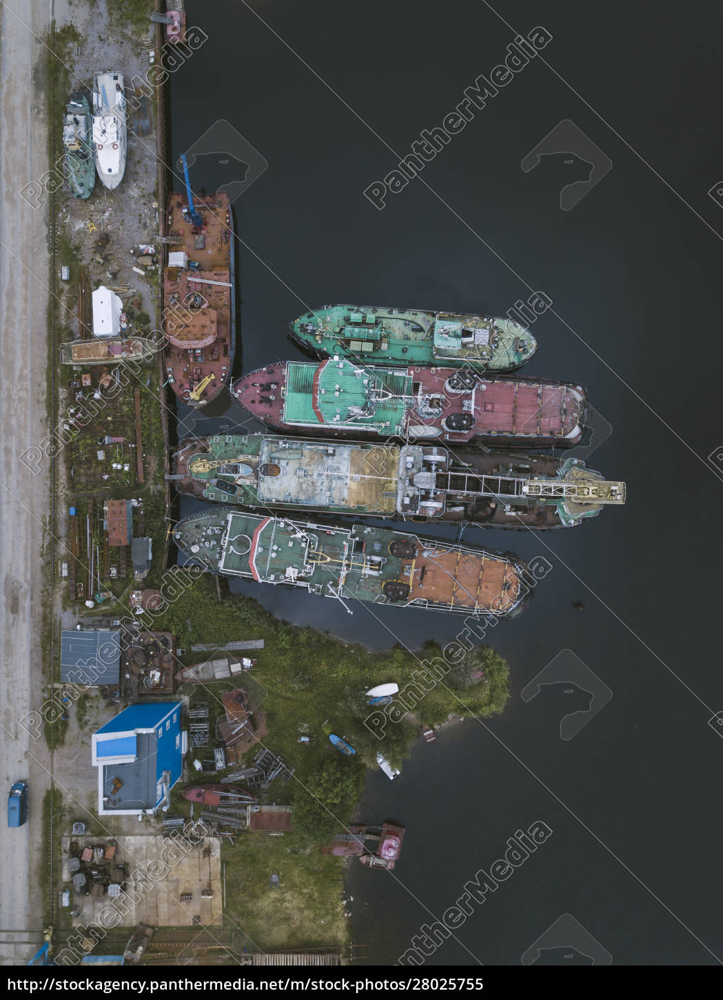 aerial, view, of, ships, in, ladoga - 28025755
