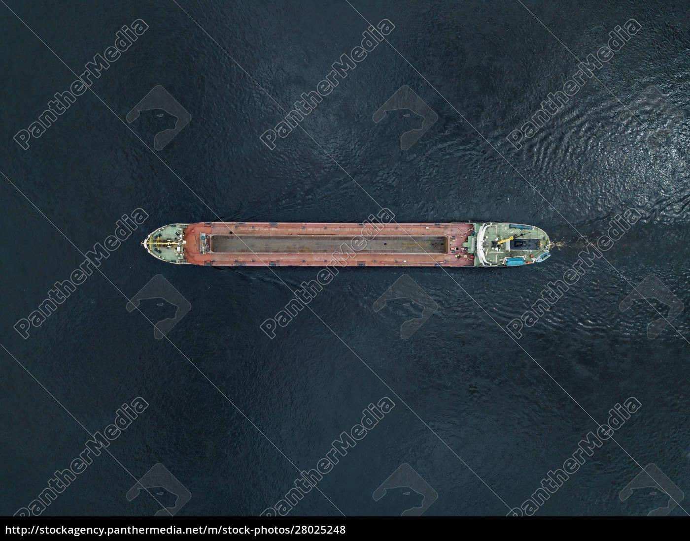drone, view, of, ship, in, neva - 28025248