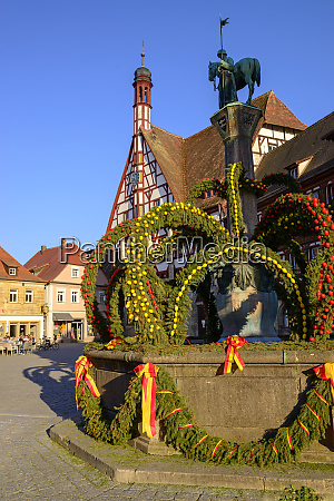 osterbrunnen in front of town hall