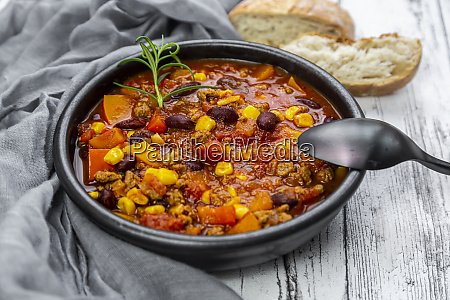 bowl of vegetarian chili con carne