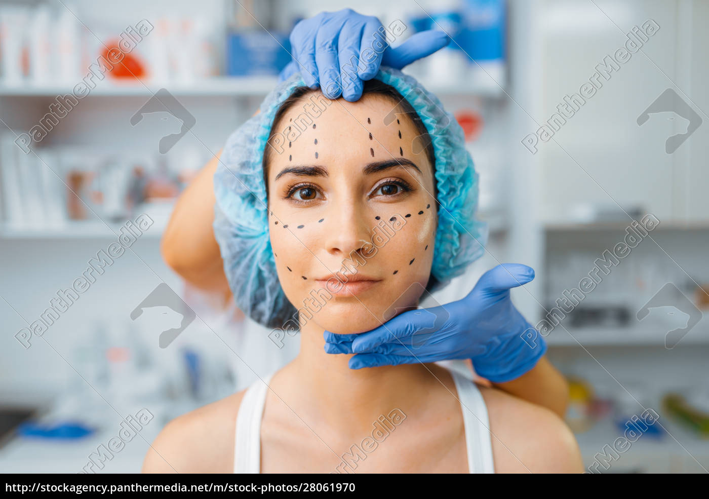 cosmetician, and, patient, with, markers, on - 28061970