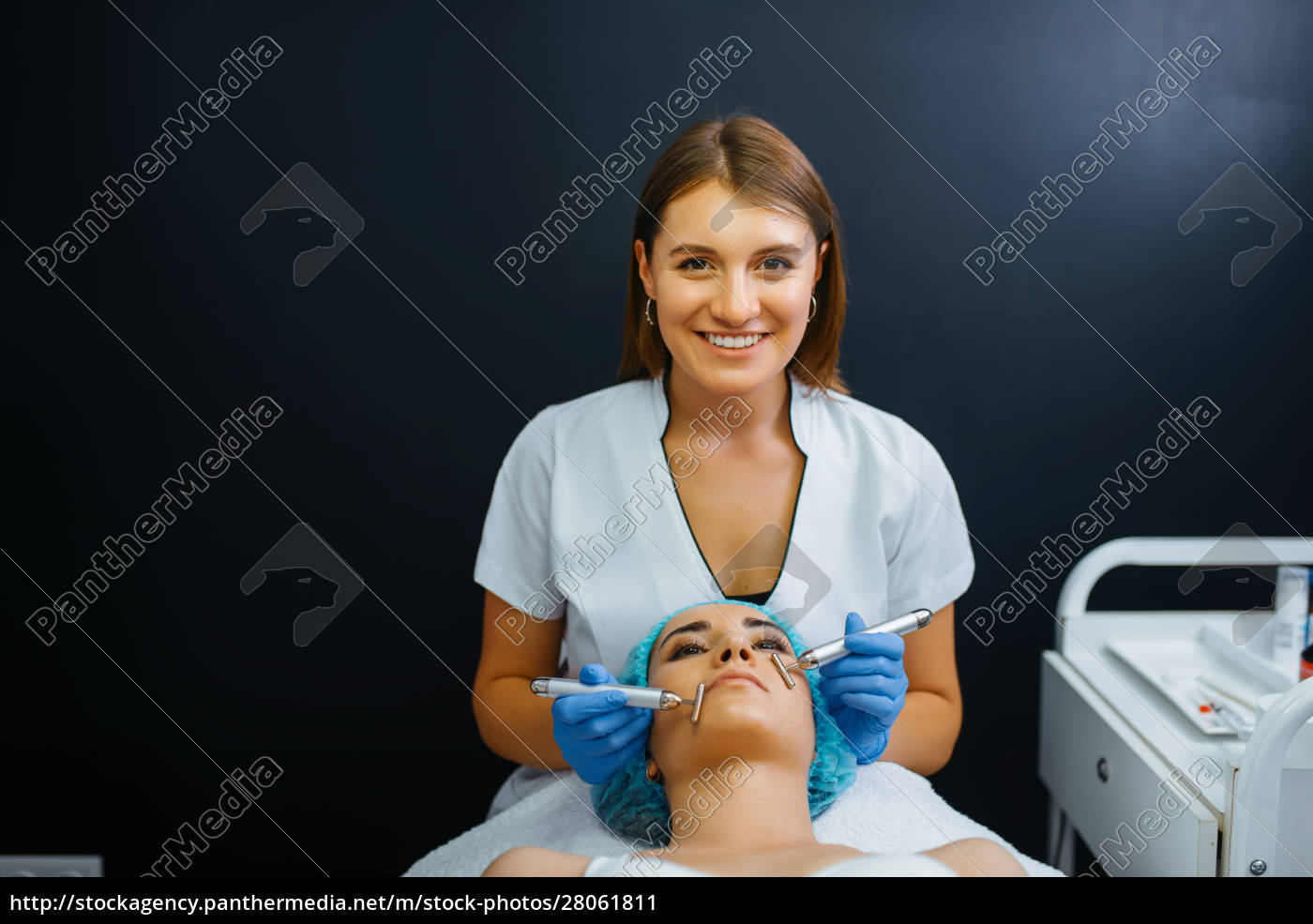 cosmetician, smoothes, face, after, botox, injections - 28061811