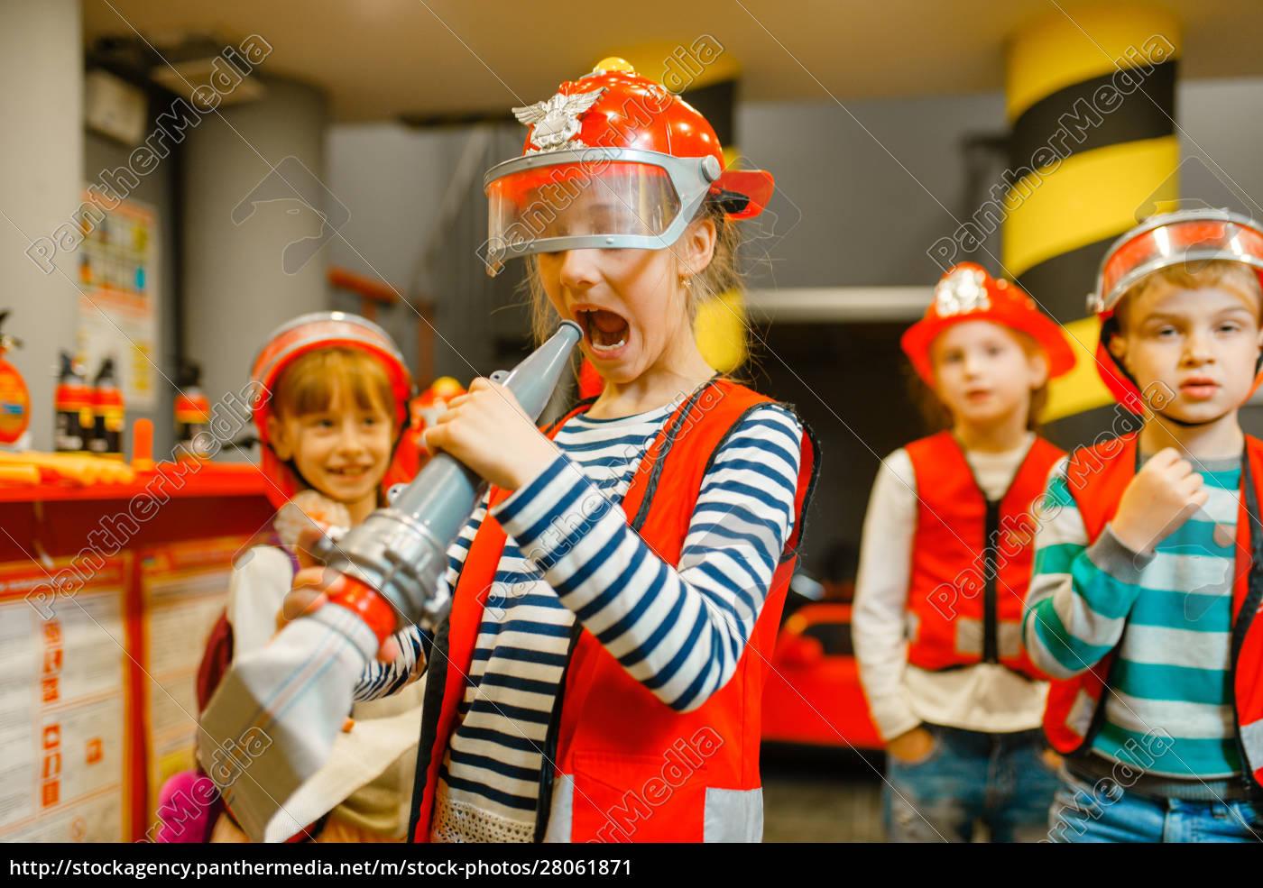 female, child, having, fun, with, hose, - 28061871
