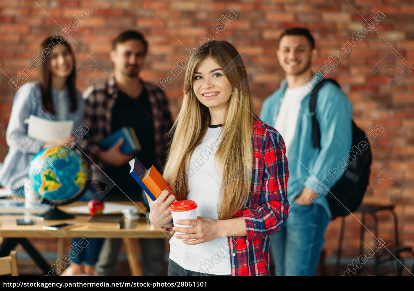 group, of, university, students, with, textbooks, - 28061501