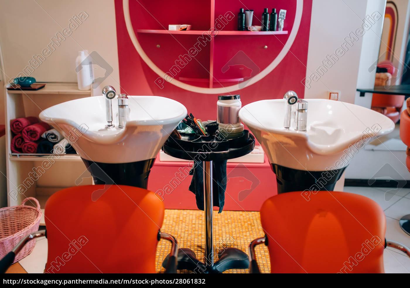modern, wash, basins, in, hairdressing, salon, - 28061832