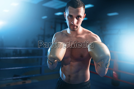 portrait, of, muscular, boxer, in, black - 28061598