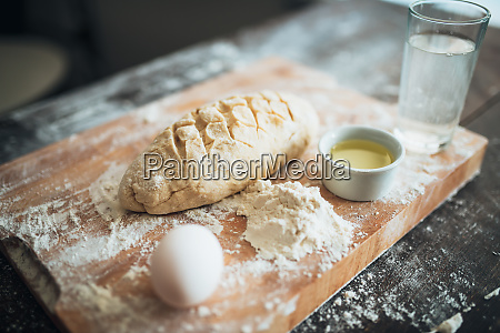 bread, prepared, for, baking, on, cutting - 28062863