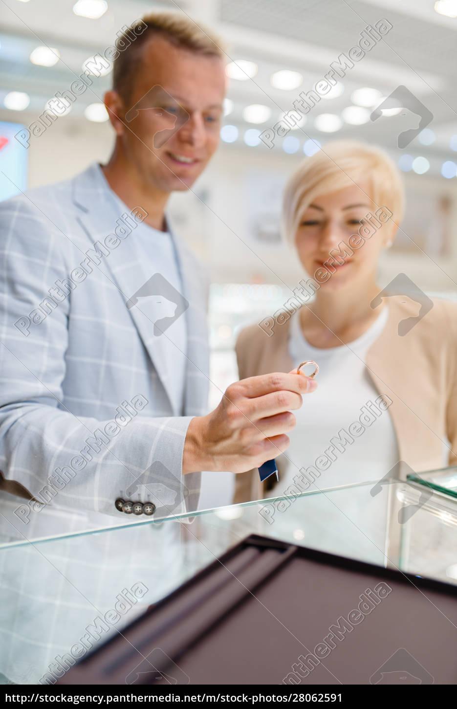 love, couple, choosing, wedding, rings, , jewellery - 28062591