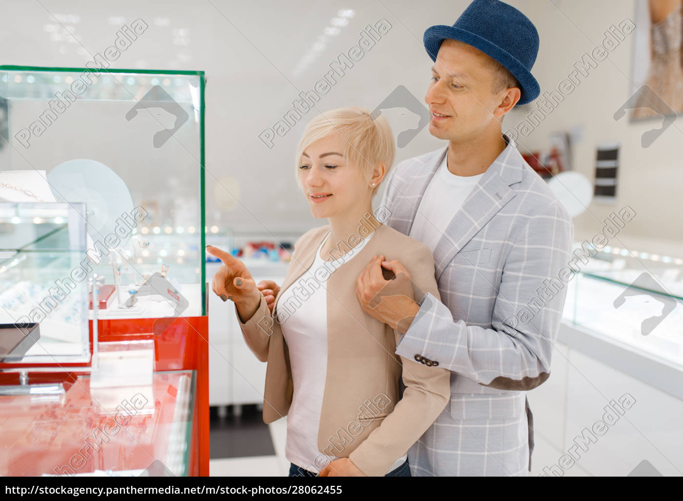 male, and, female, consumers, in, jewelry - 28062455