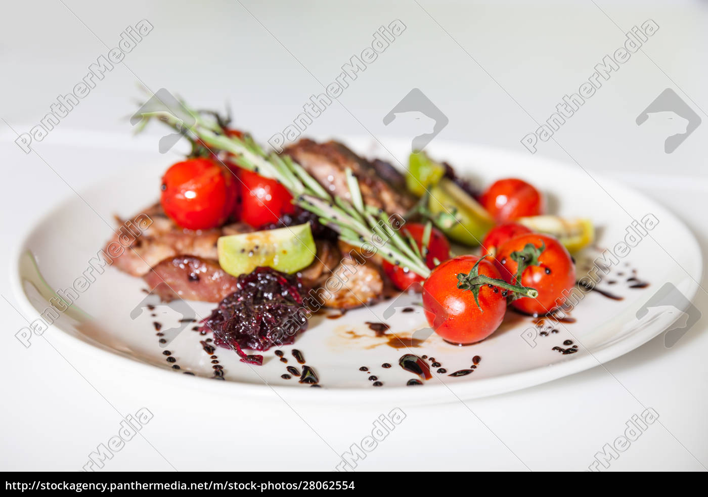 meat, dish, with, vegetables - 28062554