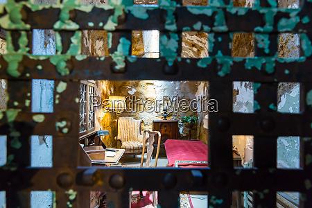rusty, metal, bar, door, and, furnitured - 28062560