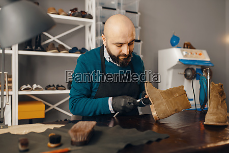shoemaker, fix, the, shoe, , footwear, repair - 28062039