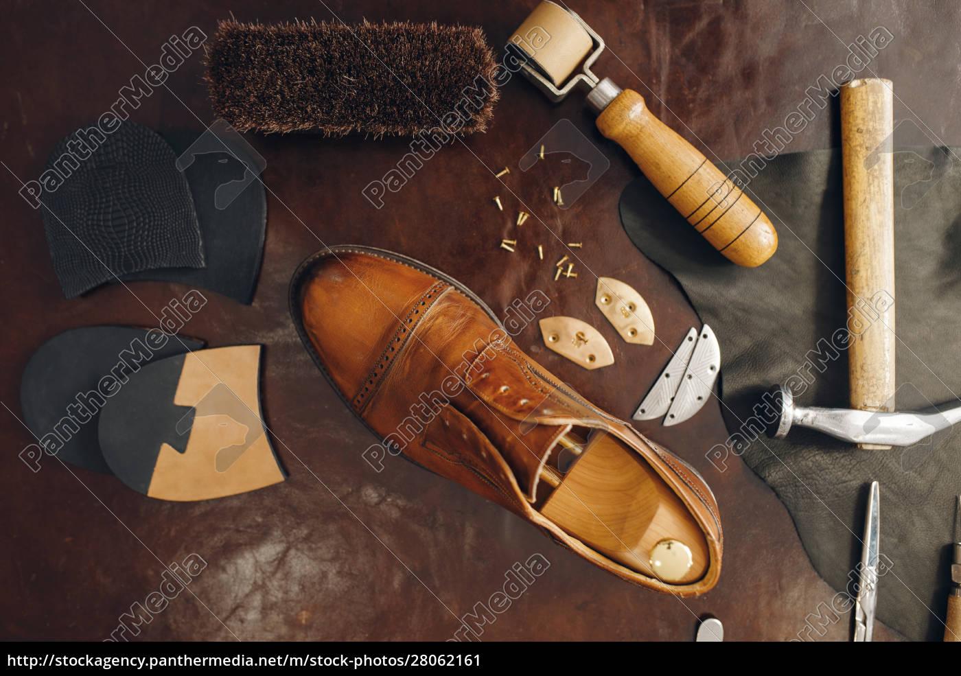shoemaker, occupation, , footwear, repair, equipment - 28062161