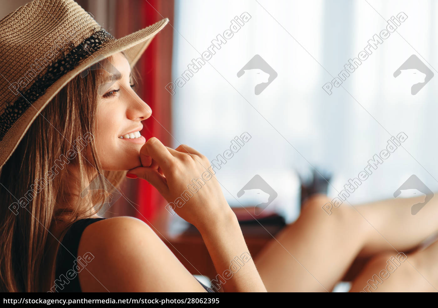 woman, threw, legs, on, table, , dream - 28062395