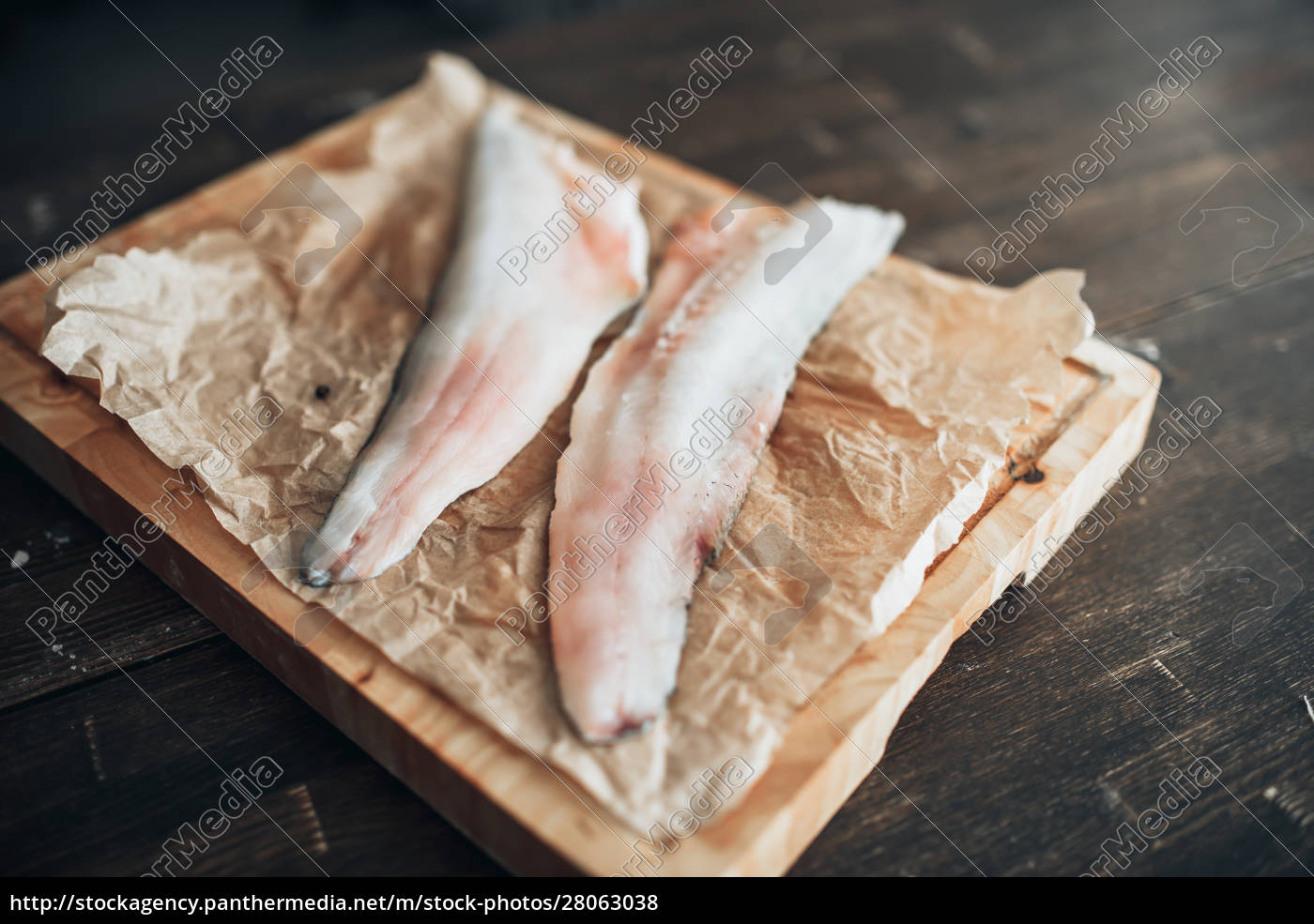 raw, fish, slices, , knife, on, cutting - 28063038