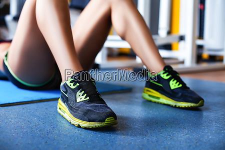 girl exercising abs