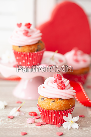 little cupcakes for valentines day