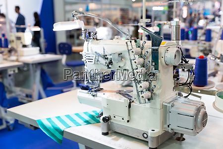 overlock machine nobody clothing sew on