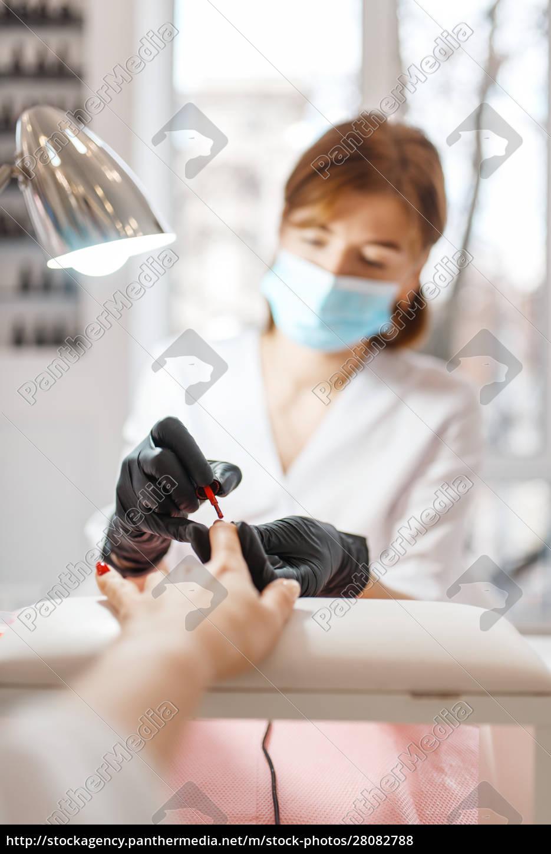 cosmetology, salon, , manicure, , varnish, application - 28082788