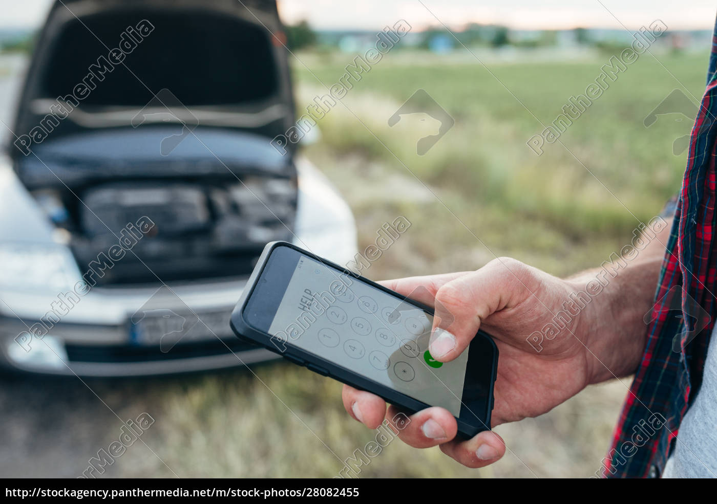 male, person, hand, with, phone, , broken - 28082455