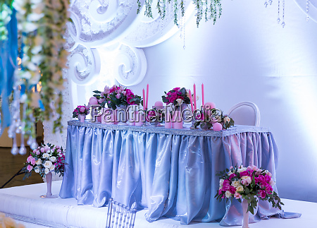 many, bouquets, on, the, table - 28082956