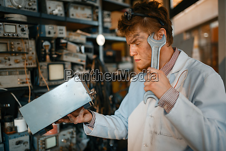 strange, scientist, with, electric, device, and - 28082233