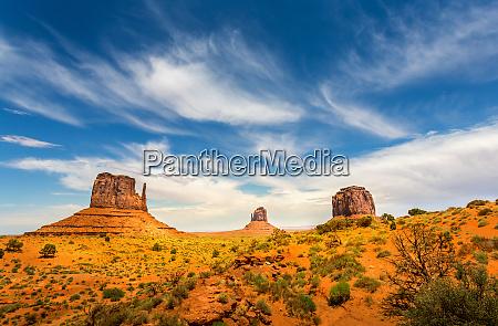 unique, landscape, of, monument, valley - 28082817