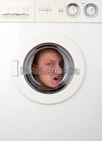 bizarre, man, inside, washing, machine - 28083798