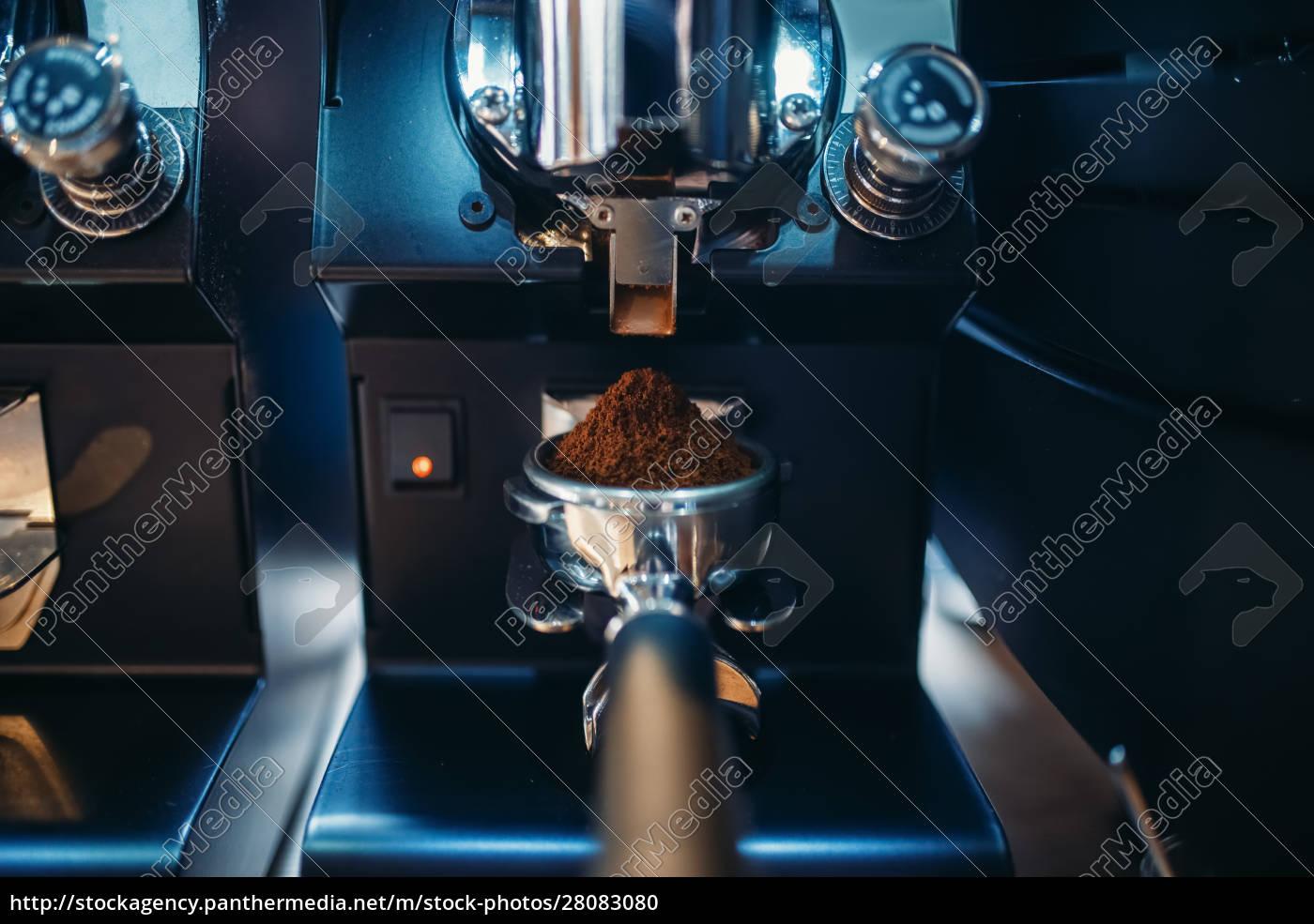 coffee, machine, with, fresh, ground, grains - 28083080