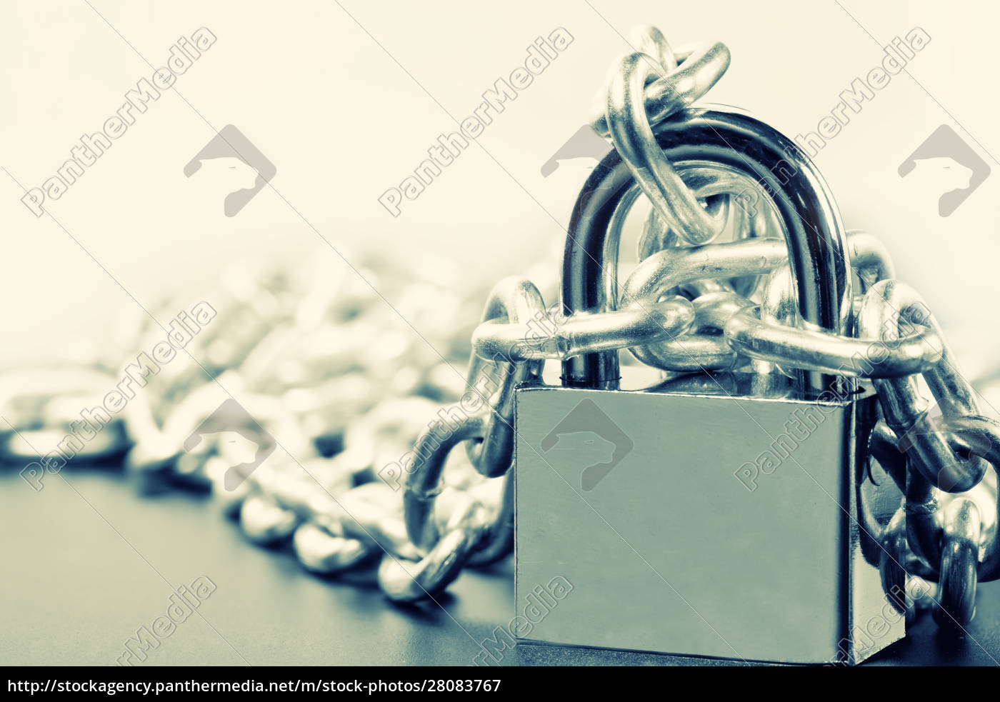 padlock, and, chains - 28083767