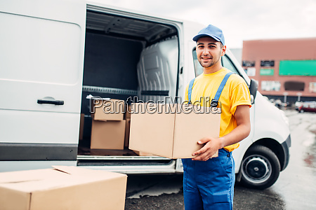 workman, or, courier, holds, carton, box - 28083521